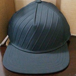 Gents Black Baseball Cap. NWT